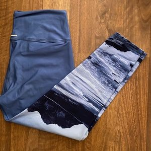 Aerie Mountain Scene Leggings